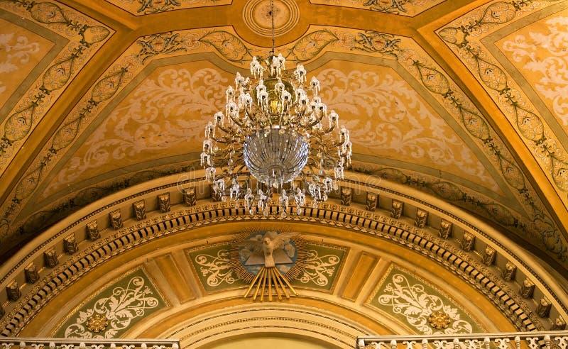 Basílica Guanajuato México da pomba da paz do candelabro fotos de stock royalty free