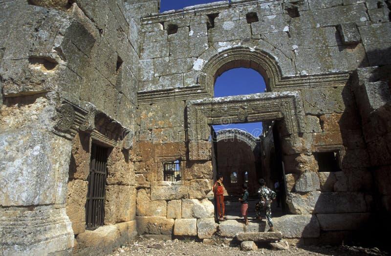Download BASÍLICA QALB LOZEH DE ORIENTE MEDIO SIRIA ALEPO Imagen editorial - Imagen de ruinas, east: 64212075