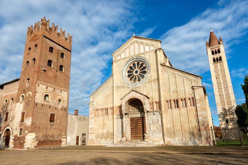 Basílica Románica de San Zeno en Verona Italy imagen de archivo libre de regalías