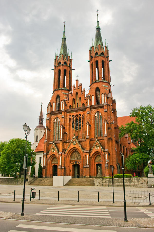 Basílica vermelha em Bialystok fotografia de stock royalty free