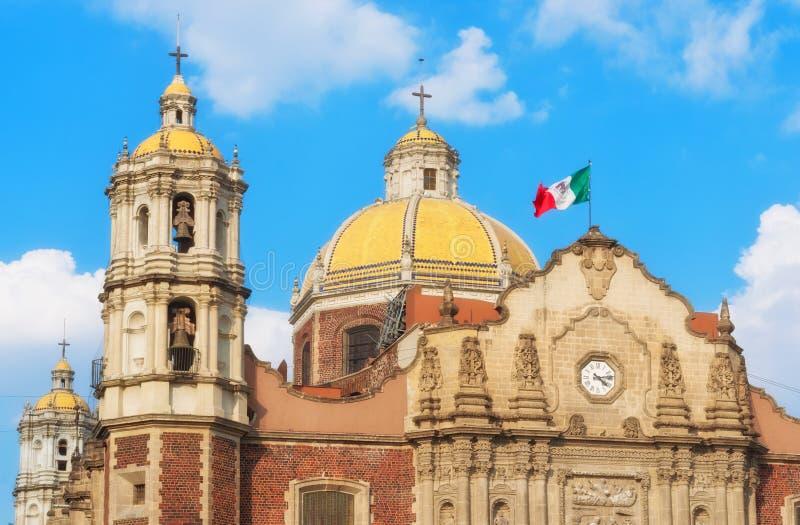 Basílica vieja de nuestra señora de Guadalupe en Ciudad de México foto de archivo libre de regalías