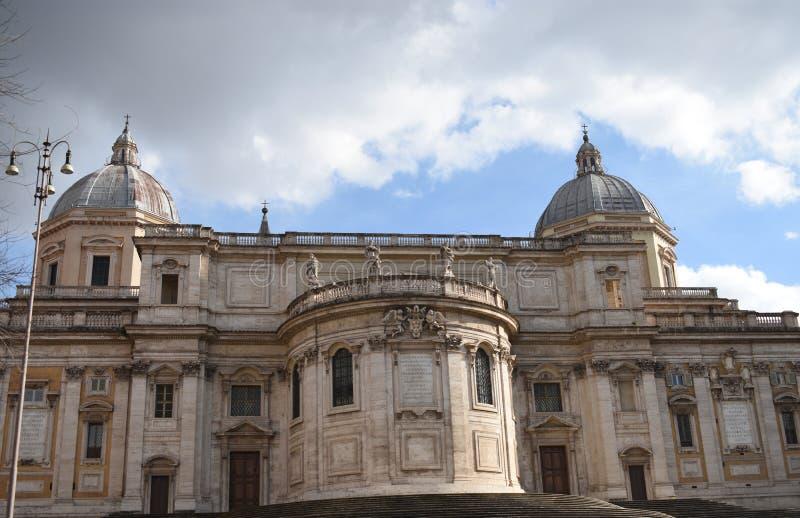Basílica vieja en Roma imagenes de archivo