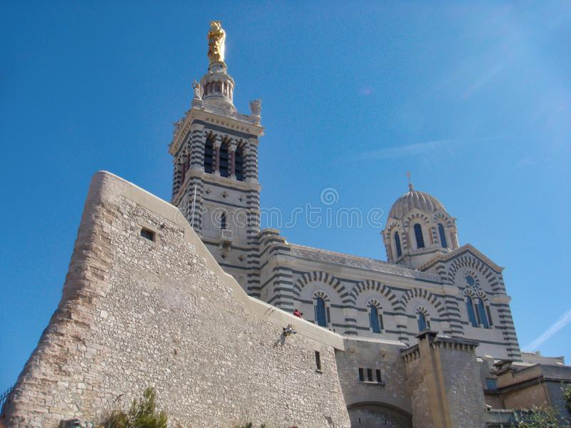 Basílico católico de Notre Dame de la guarde em Marselha, france fotos de stock royalty free