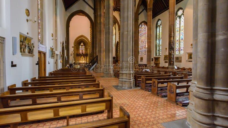 Bas-côté d'intérieur de cathédrale de confetti de St photos libres de droits