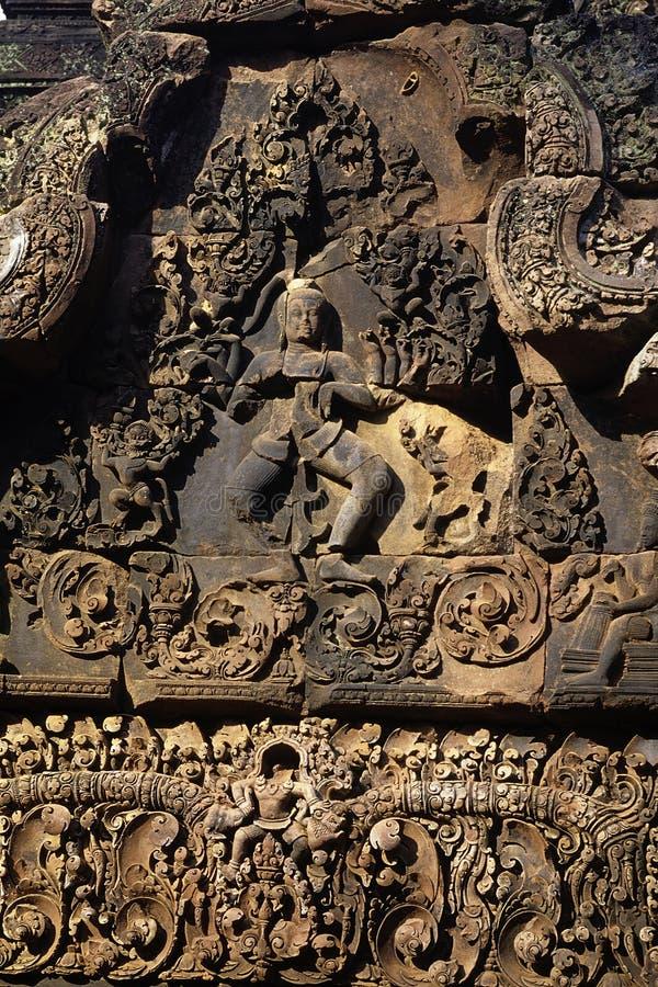Download Bas-hulp Angkor, Kambodja stock afbeelding. Afbeelding bestaande uit boeddhistisch - 10775927