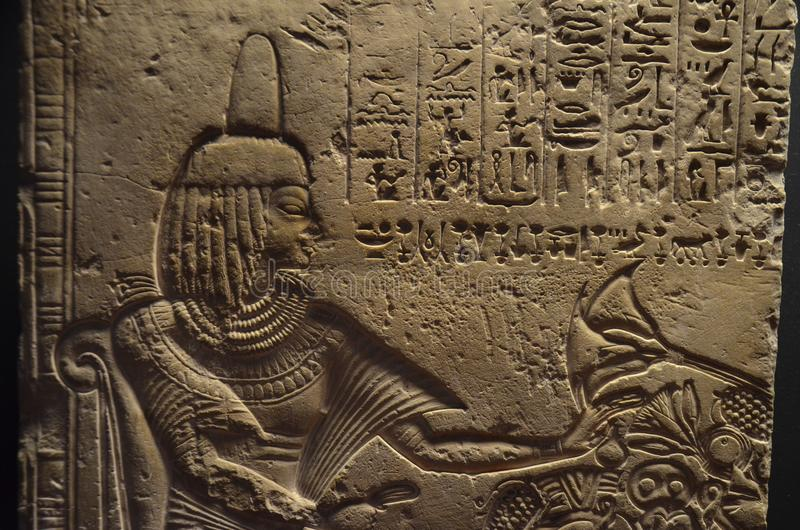 Bas-relief jeroglífico egipcio antiguo imágenes de archivo libres de regalías