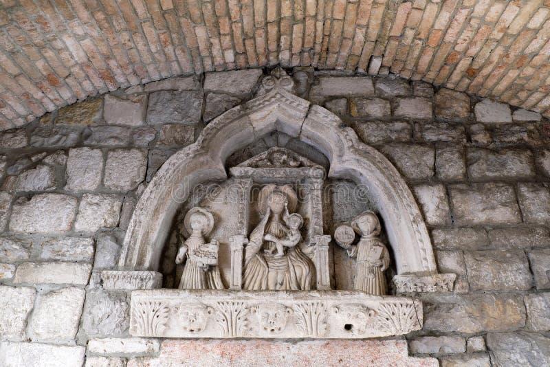 Bas Relief Sculpture storico, Cattaro Città Vecchia, Montenegro fotografia stock libera da diritti