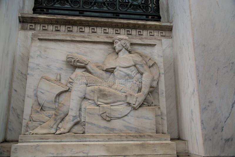 Bas-Relief-Skulptur auf dem Old United States Court House and Post Office Building lizenzfreies stockbild