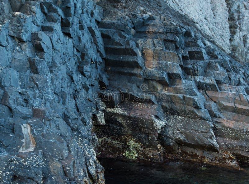 Basaltic ściana skalista faleza zdjęcie royalty free