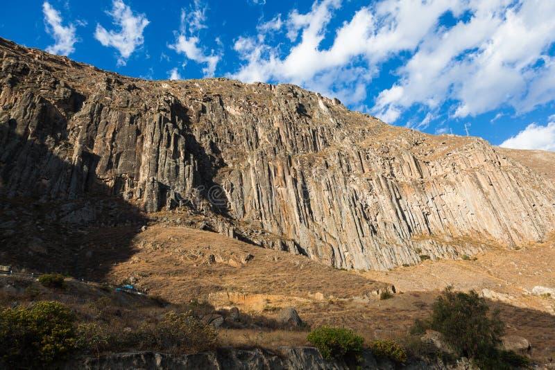 Basaltiskt vagga väggar royaltyfria foton