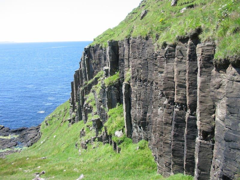 Basaltspalten nahe Carsaig, verrühren lizenzfreie stockfotos