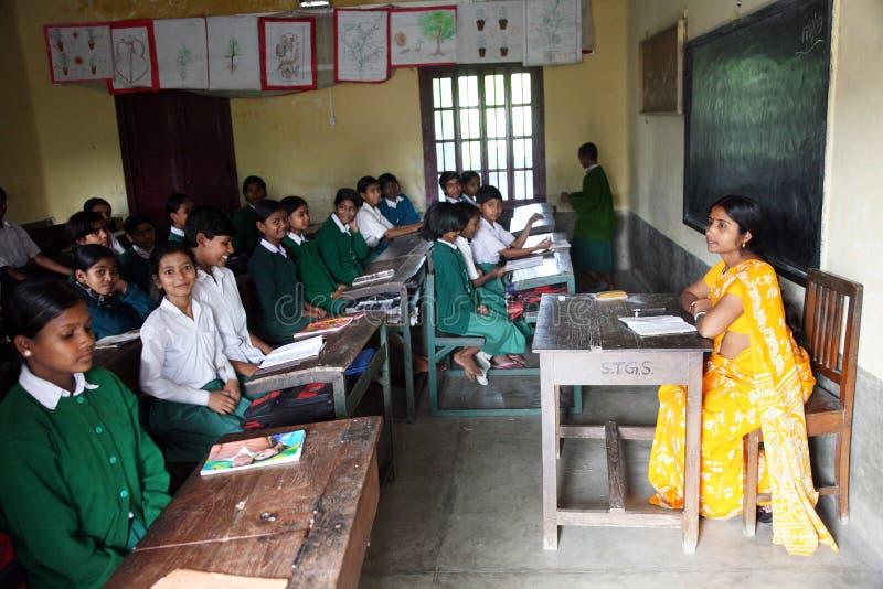 basanti孟加拉女孩hihg学校st西方的特里萨 免版税库存照片