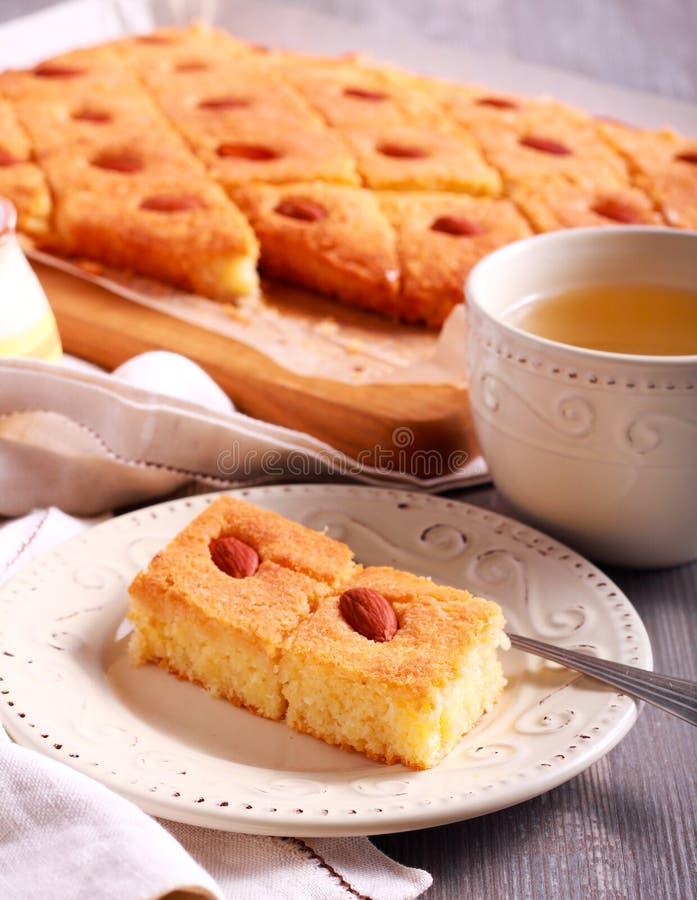 Basbousa - gâteau doux du Moyen-Orient traditionnel photographie stock