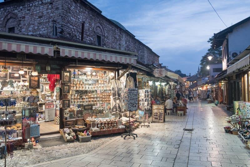 """Bascarsija †""""den gamla basaren i Sarajevo Bosnien och Hercegovina på Juli 12 2017 fotografering för bildbyråer"""
