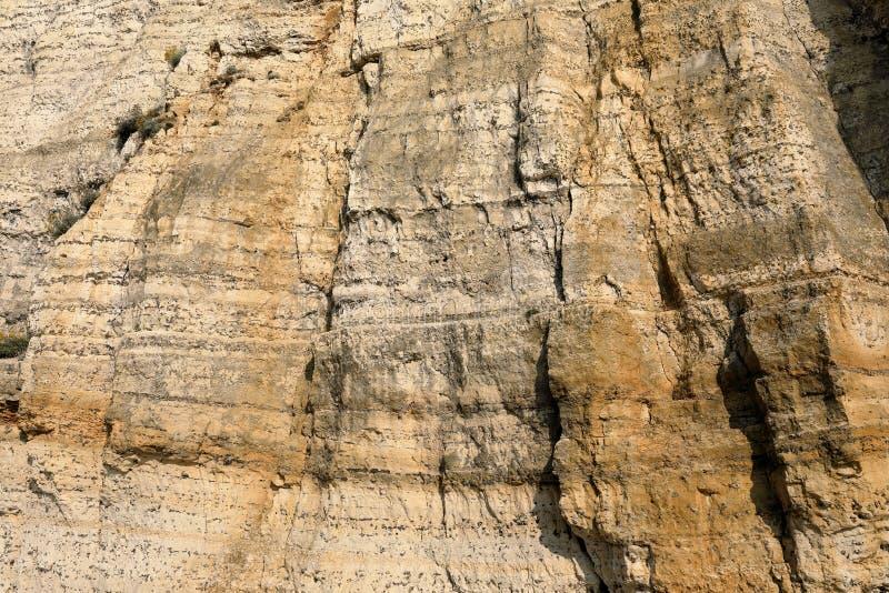 Basculez le mur de la côte d'albâtre en Normandie photographie stock libre de droits