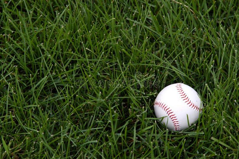 Base-ball dans le terrain extérieur photos stock