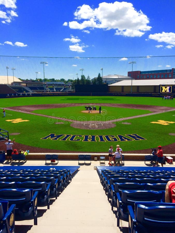 Download Base-ball du Michigan image stock éditorial. Image du université - 87708699