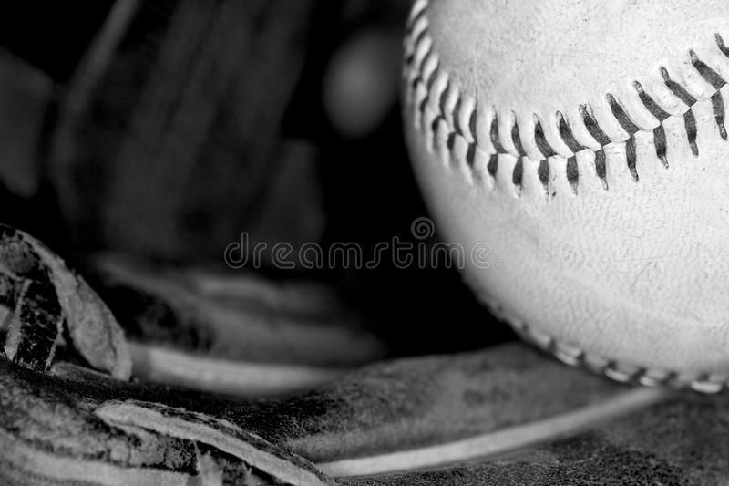 Base-ball en noir et blanc photo stock