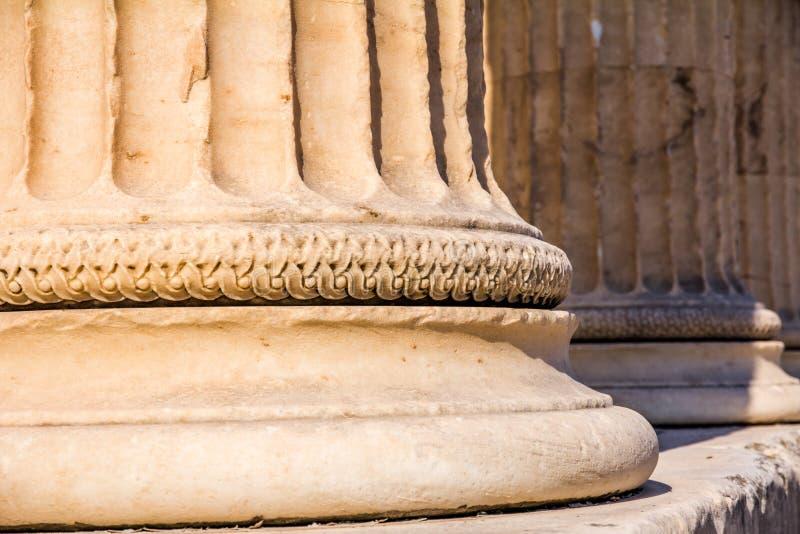 Base de colonne de marbre, l'Erechtheion, Athènes photo stock