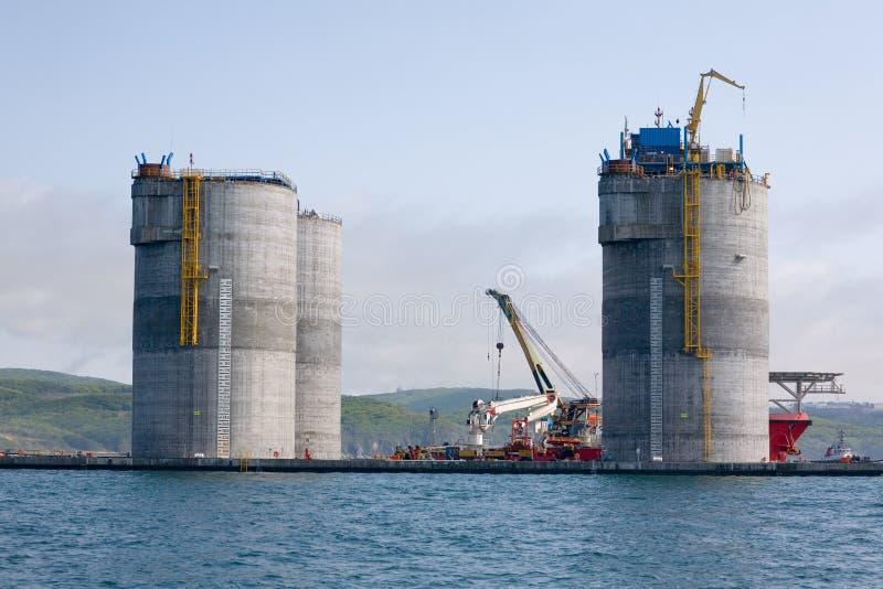 Base de la plate-forme de forage de pétrole remorquée photographie stock libre de droits