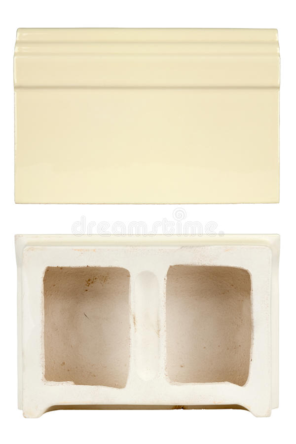 Base delle mattonelle di ceramica per costruire le stufe ed i camini fotografie stock