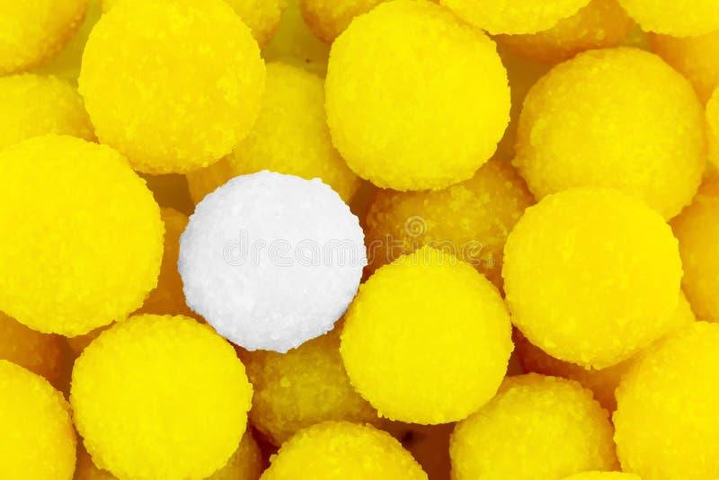 Base especial do projeto da drageia especial branca doce brilhante amarela dos doces do limão do fundo fotografia de stock