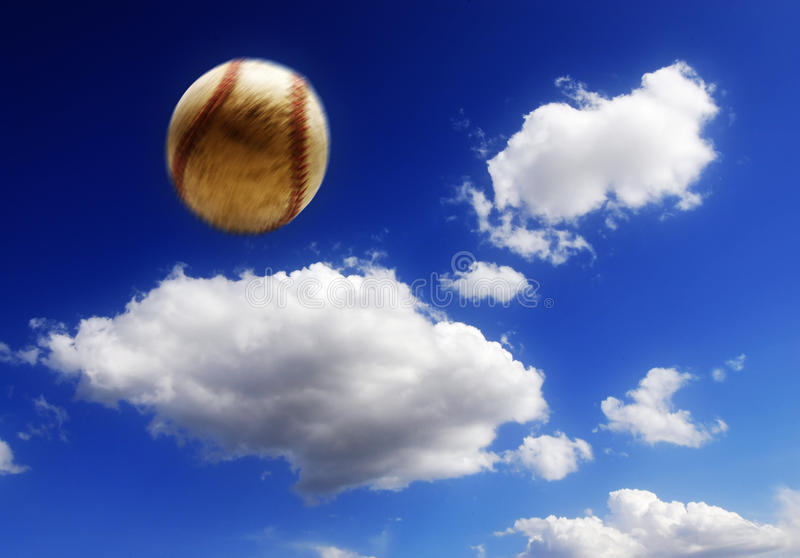 Baseball in aria fotografia stock libera da diritti