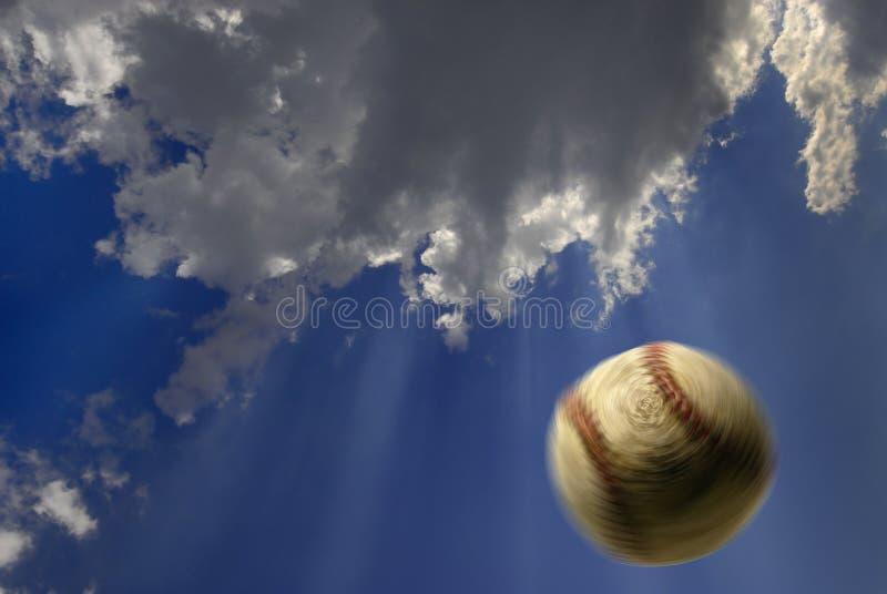 Baseball in aria fotografia stock