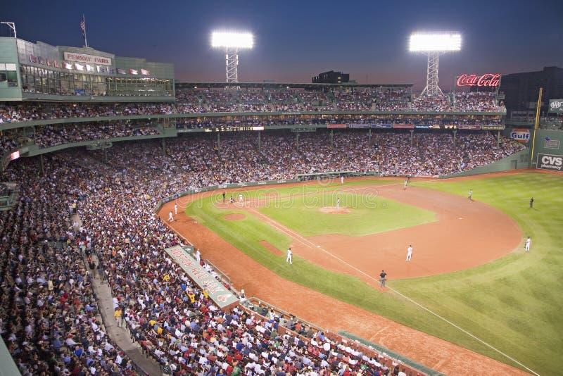 Baseball di notte alla sosta di Fenway fotografie stock libere da diritti