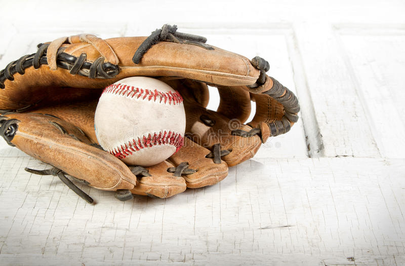 Download Baseball And Mitt Royalty Free Stock Images - Image: 24626489