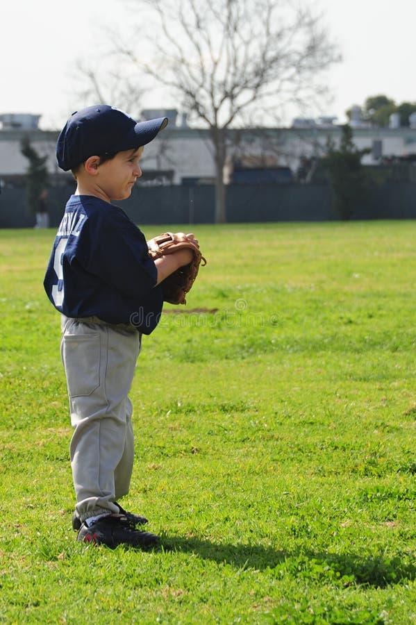 baseballa chłopiec bawić się zdjęcia royalty free