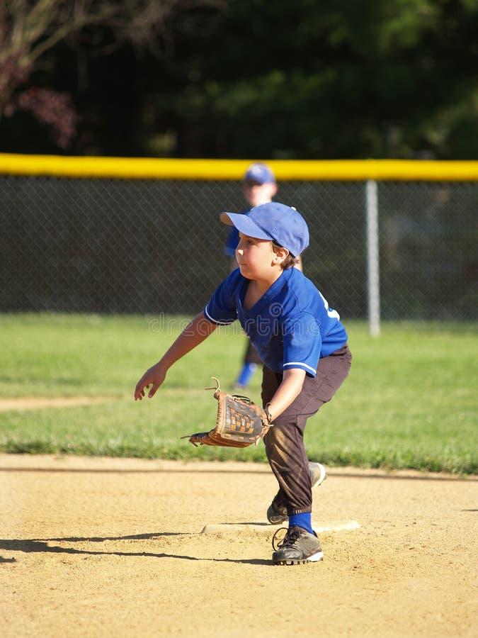 baseballliga little spelare royaltyfria bilder