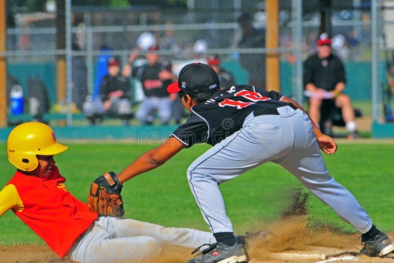 Download Basebol Da Juventude Para Fora No ó Fotografia Editorial - Imagem de uniforme, esporte: 10052807