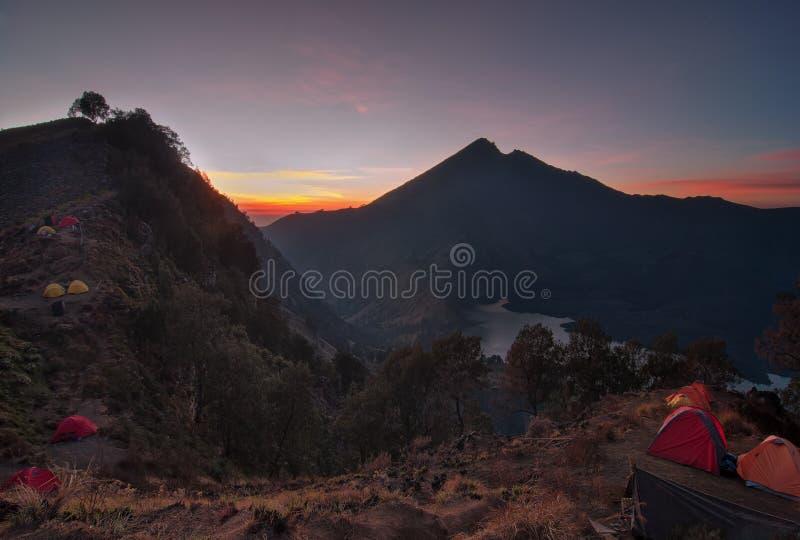 Basecamp de Senaru, montagem Rinjani Lombok foto de stock