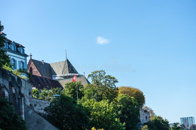 Basel Munster od Rhine rzeczny przyglądający up zdjęcie stock