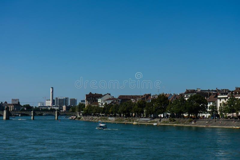 Basel-Stadtansicht vom Rhein, der Mitte betrachtet stockbilder