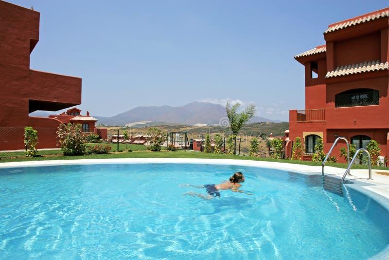 basen Hiszpanii pływający kobieta zdjęcie royalty free