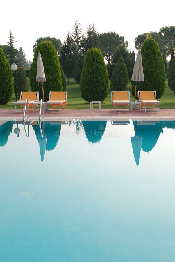 basen pływa w spa. obrazy royalty free