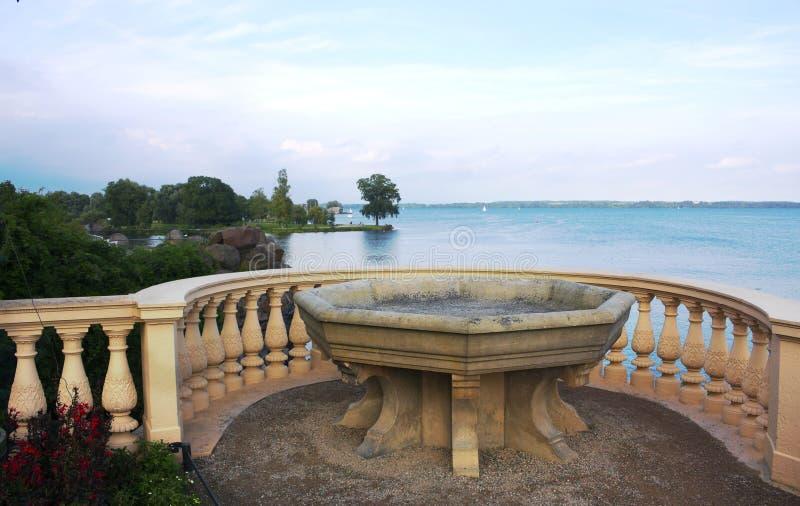 Basen przy jeziorem Grodowy Schwerin - Ja - obraz royalty free