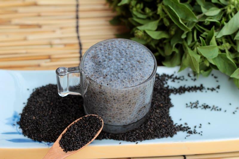 Basilów ziarna dla włókno napoju i surowego ziarna zdjęcie stock
