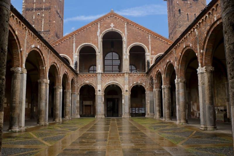 Basilica del san Ambrose, Milano fotografia stock libera da diritti