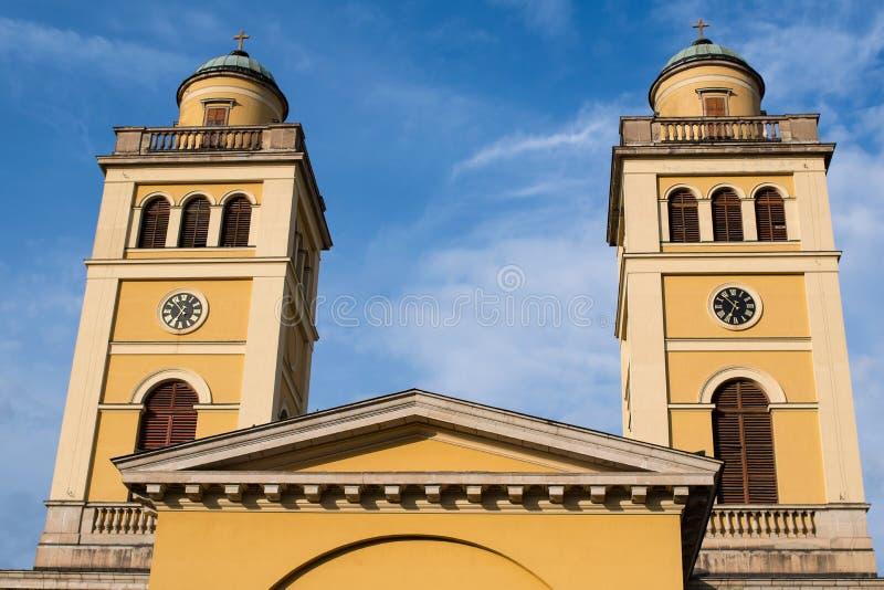 Basilica di Eger nel tramonto, Ungheria fotografia stock