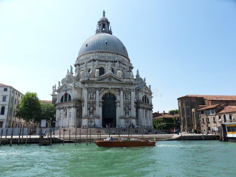 Basilica di Santa Maria della Salute da Grand Canal immagine stock