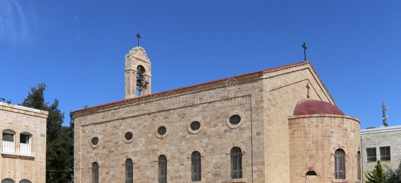 Basilica greco ortodossa di San Giorgio in città Madaba, Giordania immagini stock libere da diritti