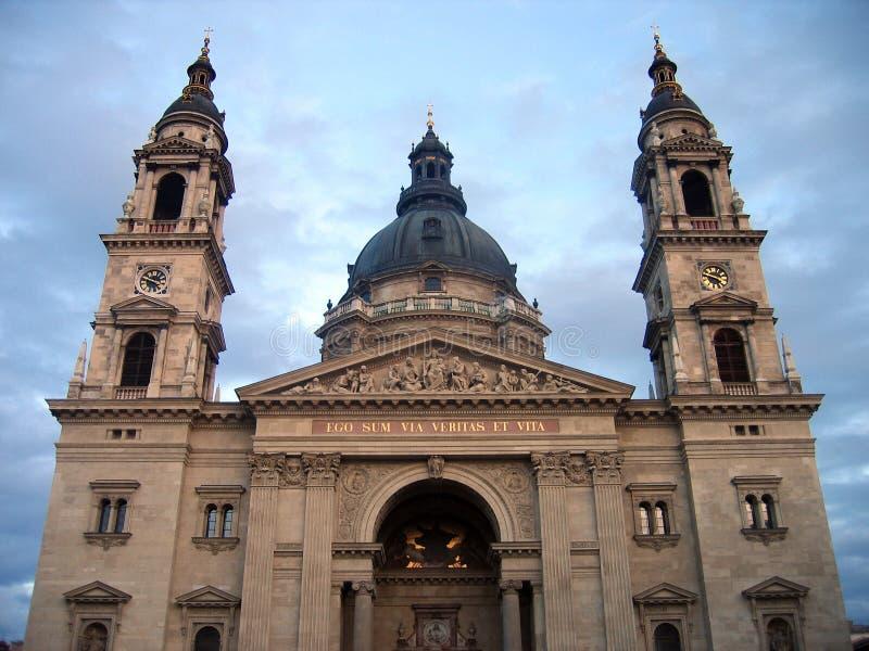 basilicabudapest s saint stephen arkivfoton