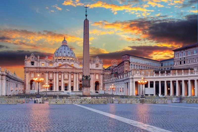 basilicadi italy pietro rome san vatican arkivfoto