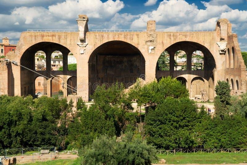 Basilicaen av Maxentius och Constantine i Rome royaltyfria foton