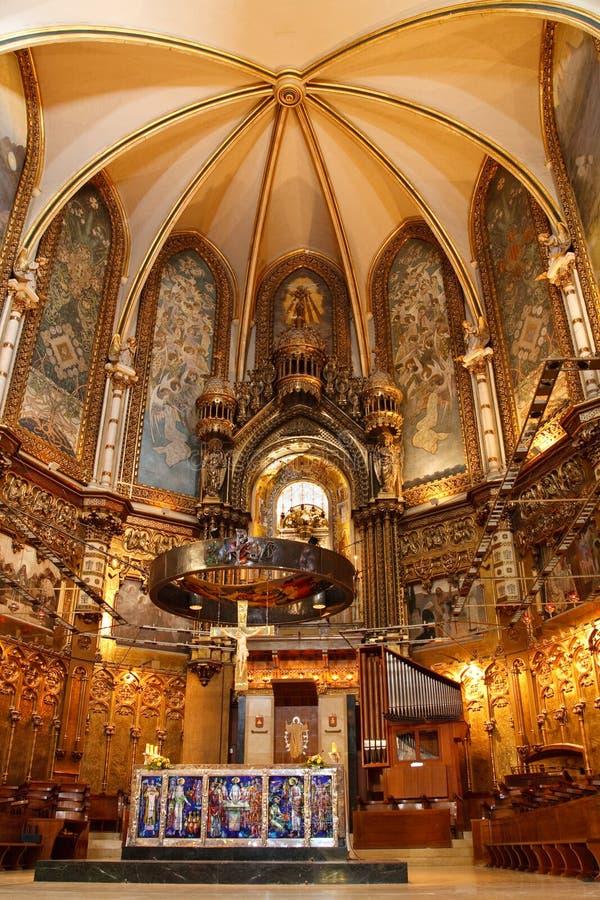 Basiliek bij Montserrat Klooster dichtbij Barcelona stock afbeelding