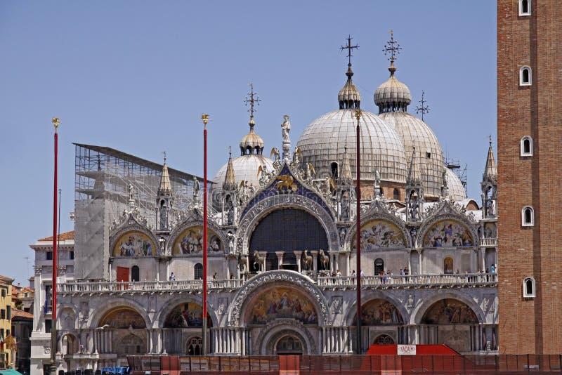 Basiliek San Marco, voor van de Kerk van Tekens, Venetië stock fotografie