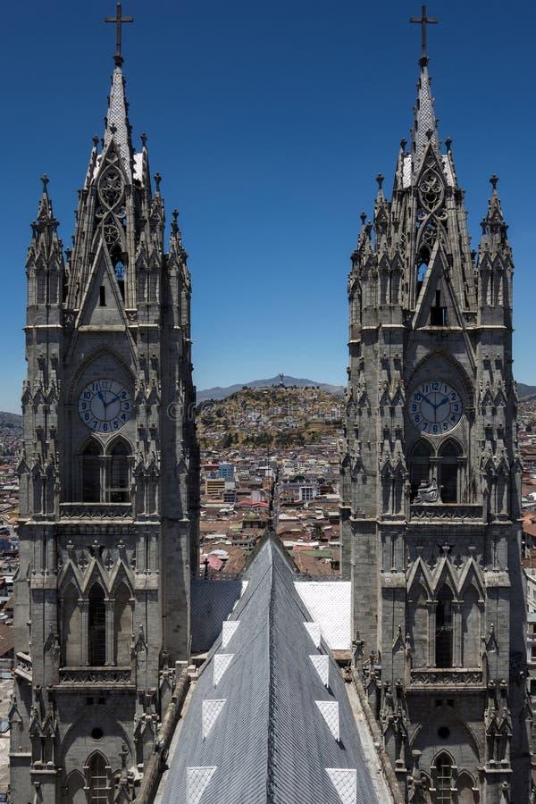 Basiliek van de Nationale Gelofte in Quito, Ecuador stock afbeeldingen